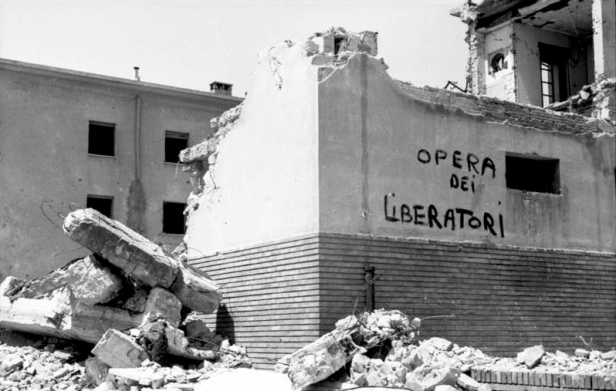 Destroyed building in Rome