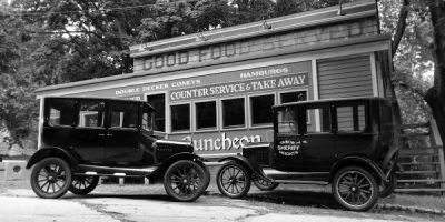 Diner and cars, 1921